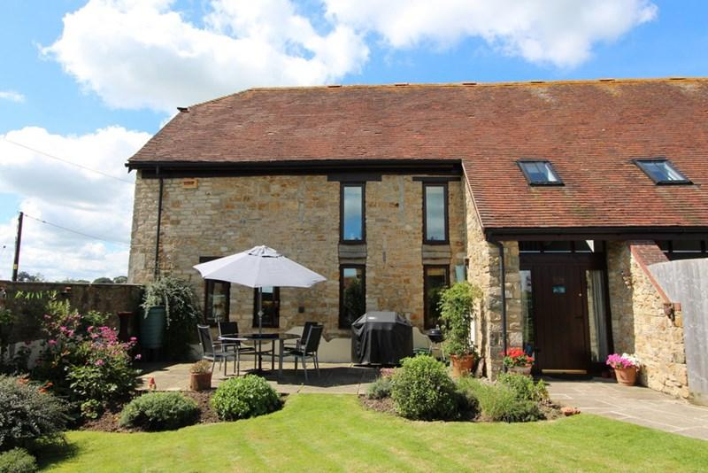 3 Bedrooms Barn Conversion Character Property for sale in West Stour, Dorset