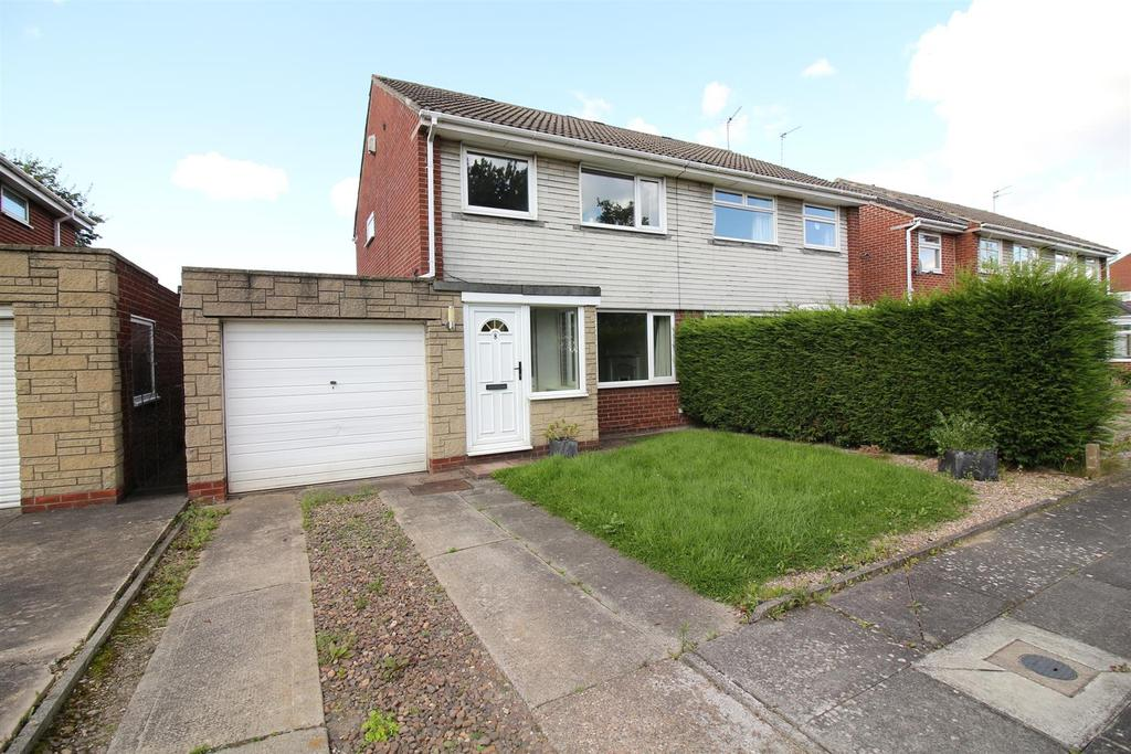 3 Bedrooms Semi Detached House for sale in Chichester Close, Kingston Park, Newcastle