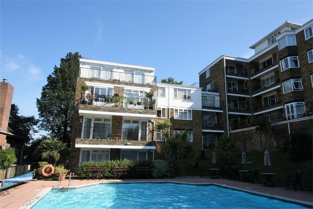 2 Bedrooms Flat for sale in Highdown Court, Varndean Drive, BRIGHTON, East Sussex