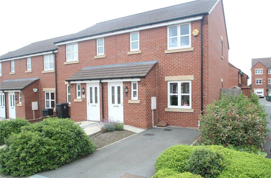 3 Bedrooms Town House for sale in ABBEY CLOSE, EAST ARDSLEY, WAKEFIELD, WF3 2FD