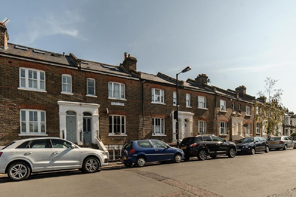 3 Bedrooms Terraced House for sale in Whateley Road, East Dulwich