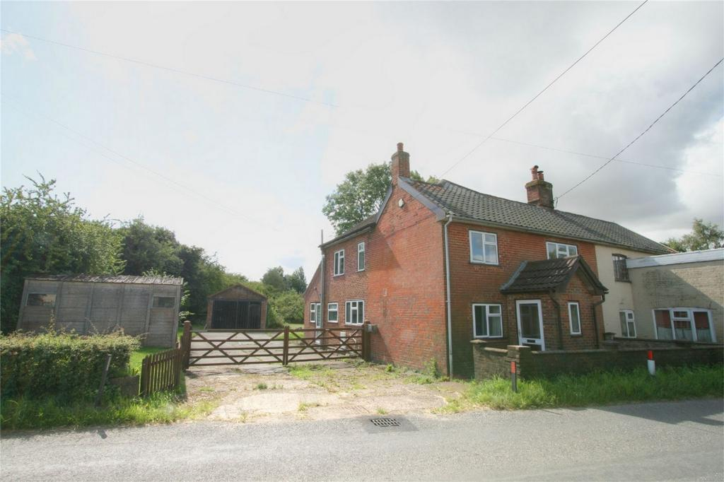 4 Bedrooms Cottage House for sale in Kenninghall Road NR16 2HB, Banham, NORWICH, Norfolk
