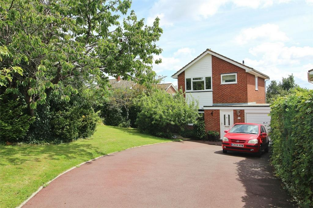 3 Bedrooms Detached House for sale in Woodlands Close, Uckfield, East Sussex