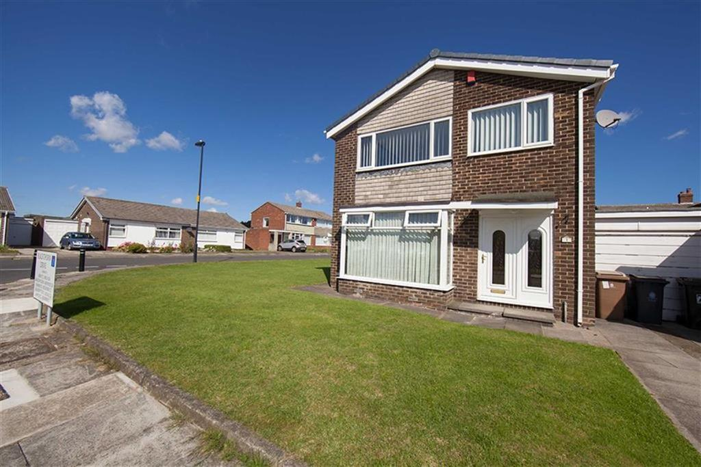 3 Bedrooms Detached House for sale in Blackthorn Drive, Battle Hill, Wallsend, NE28
