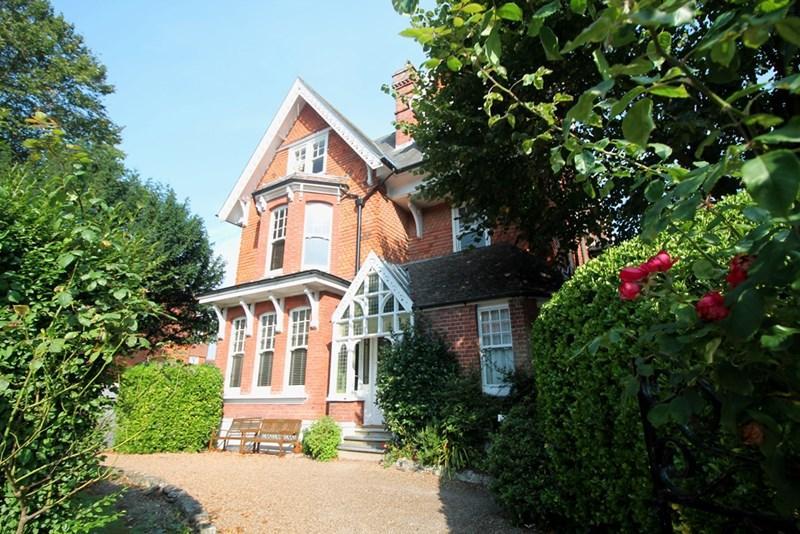 1 Bedroom Flat for sale in Silverdale Road, Eastbourne
