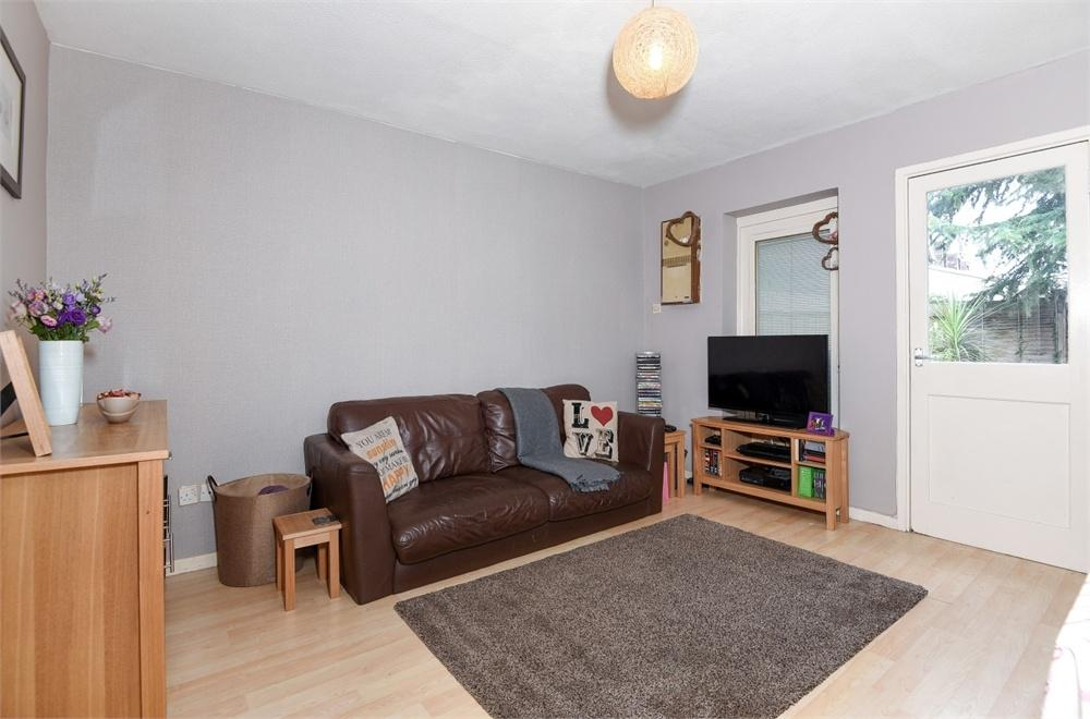 2 Bedrooms End Of Terrace House for sale in Fawns Manor Close, Feltham, Greater London