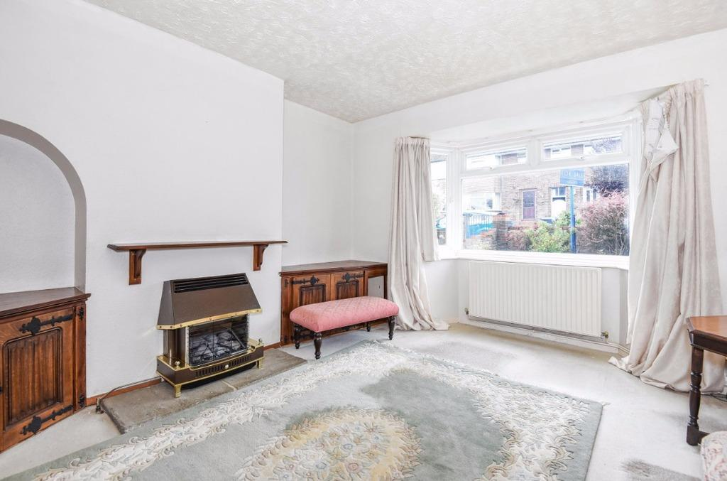 3 Bedrooms Semi Detached House for sale in Manor Gardens Hurstpierpoint West Sussex BN6