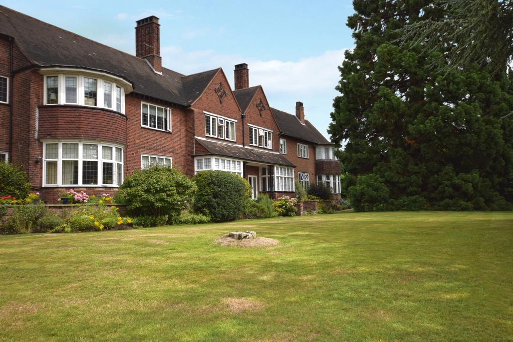 3 Bedrooms Flat for sale in Woodlands Road Bromley BR1