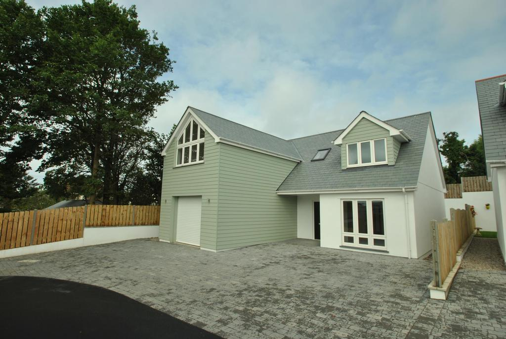 4 Bedrooms Detached House for sale in Orchard Way, Bude