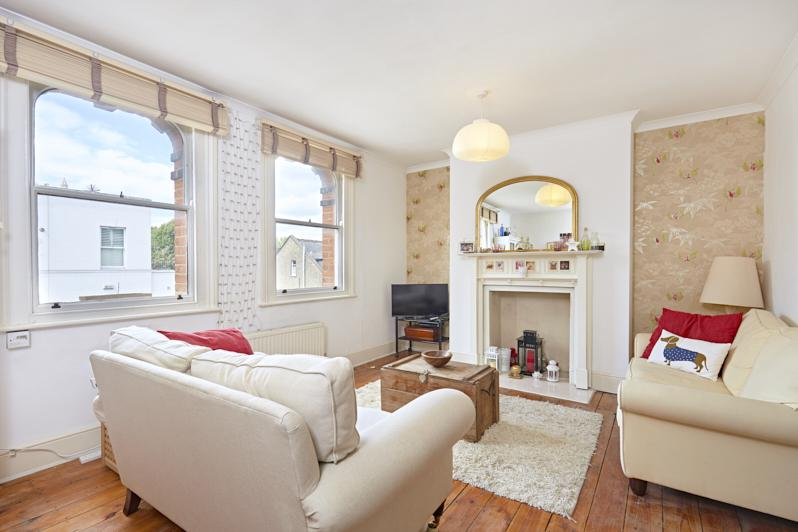 1 Bedroom Maisonette Flat for sale in Goldhawk Road, London W6