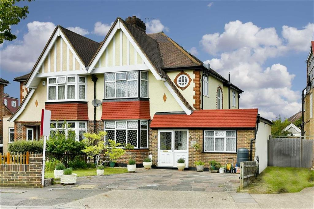 4 Bedrooms Semi Detached House for sale in Highdown, Worcester Park, Surrey