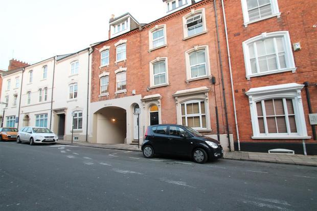 1 Bedroom Apartment Flat for sale in 30, Hazelwood Road, Northampton, NN1