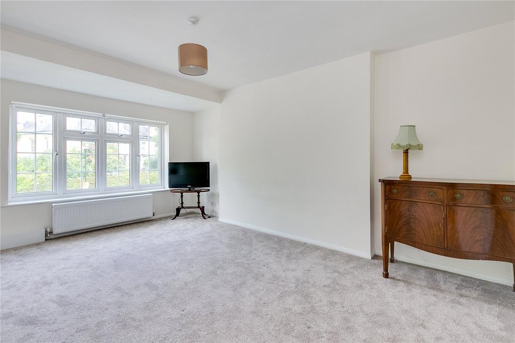 2 Bedrooms Flat for sale in Boileau Road, Barnes, London