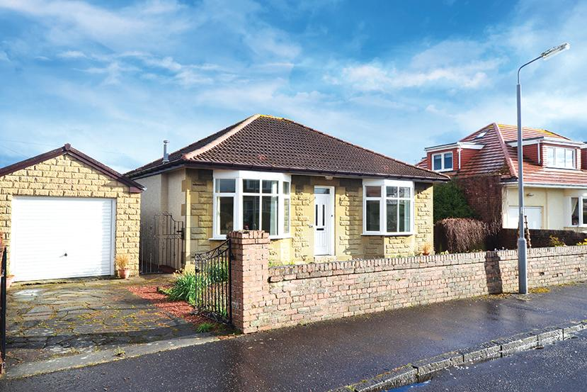 3 Bedrooms Detached Bungalow for sale in 51 Auchendoon Crescent, Ayr, Seafield, KA7 4AT