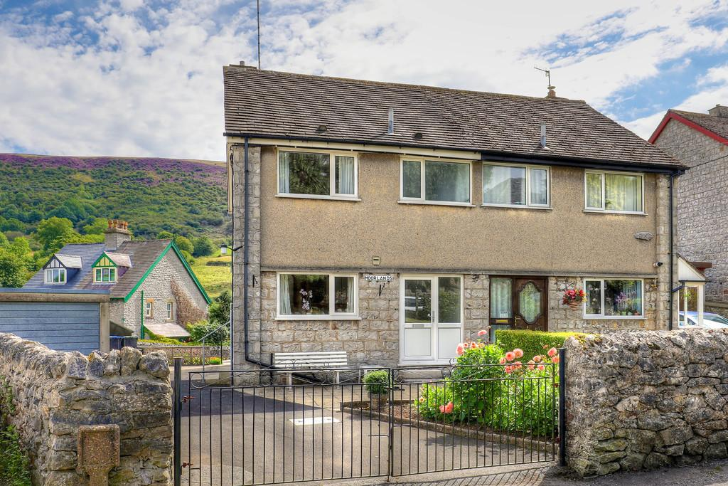 3 Bedrooms Semi Detached House for sale in The Hills, Bradwell, Hope Valley