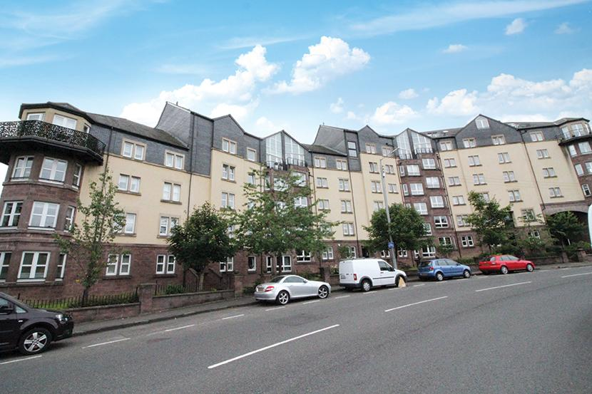 3 Bedrooms Flat for sale in 255 Clarence Drive, Hyndland, G11 7JU