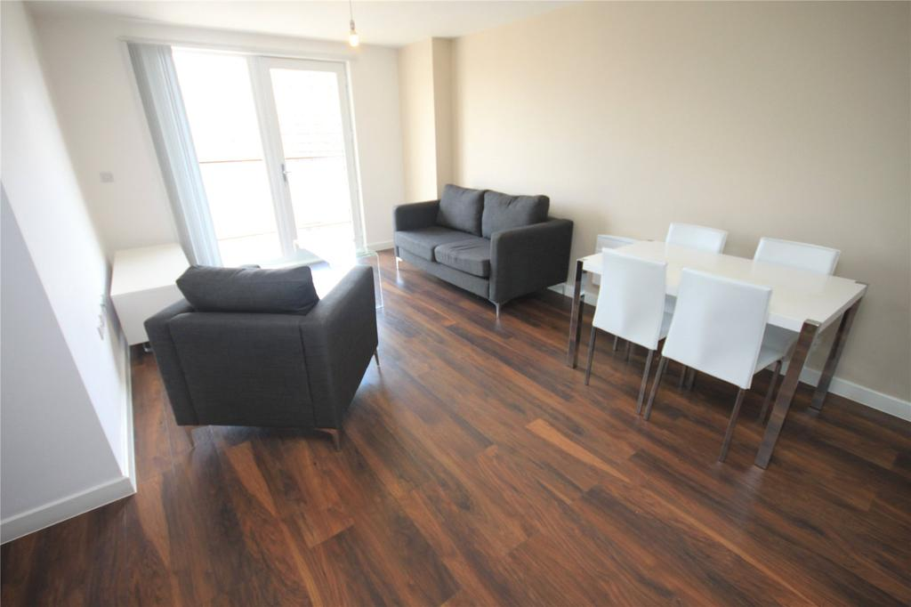 2 Bedrooms Flat for sale in The Riverside, Lowry Wharf, Derwent Street, Salford, M5