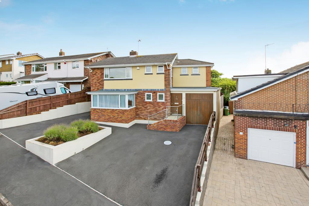 4 Bedrooms Detached House for sale in Maudlin Drive, Teignmouth, TQ14 8RZ