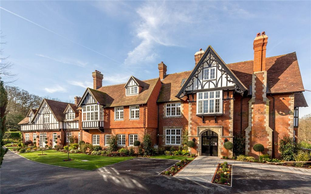 2 Bedrooms Flat for sale in Westerham Road, Keston, Kent, BR2