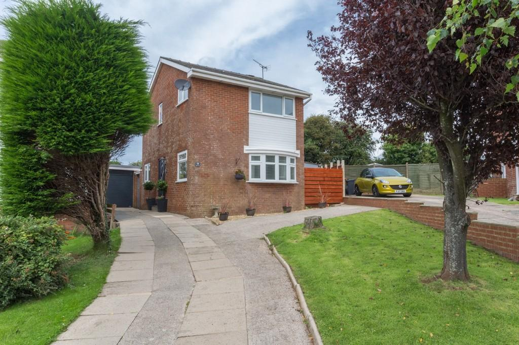 3 Bedrooms Detached House for sale in Aspen Drive, Barrow-In-Furness