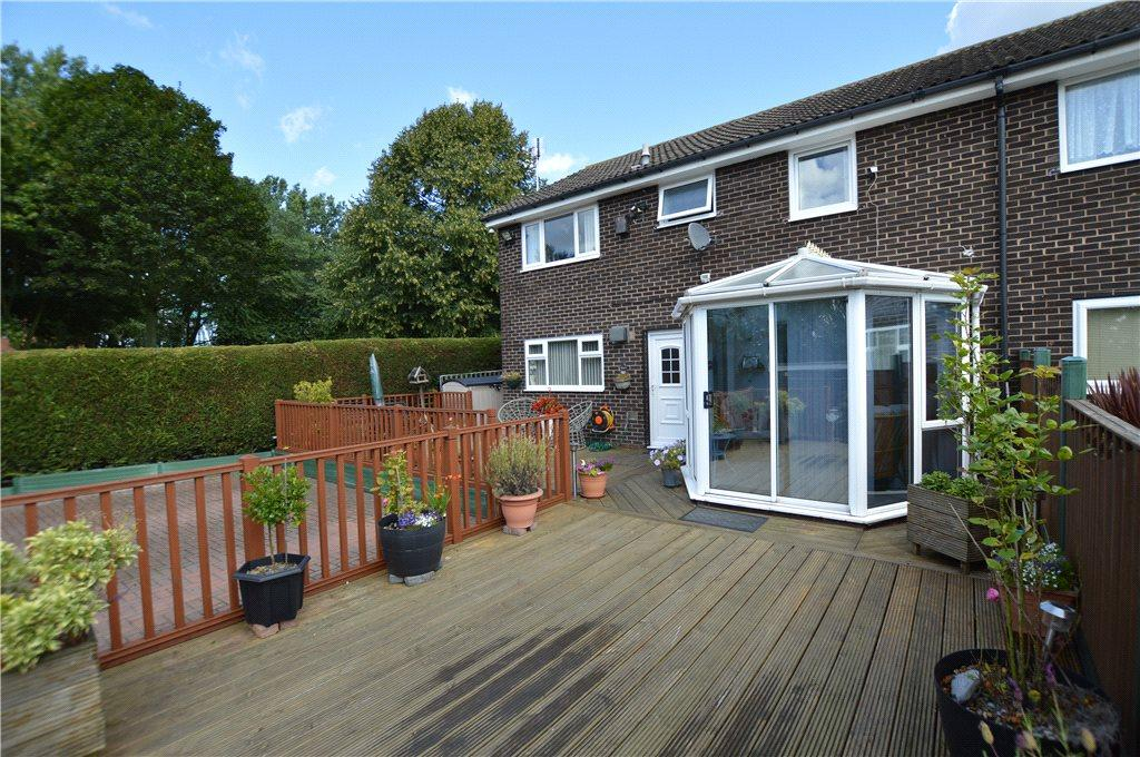 4 Bedrooms Town House for sale in Shakespeare Lawn, Leeds, West Yorkshire