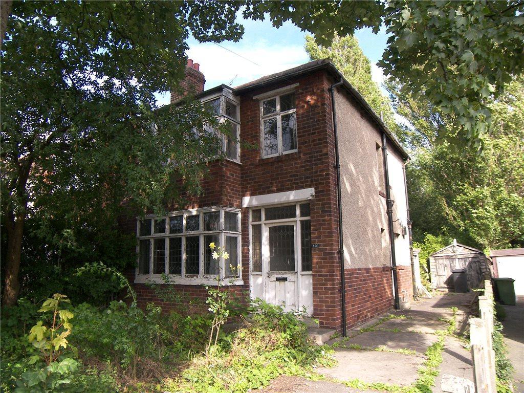 3 Bedrooms Semi Detached House for sale in Oakwood Lane, Leeds, West Yorkshire