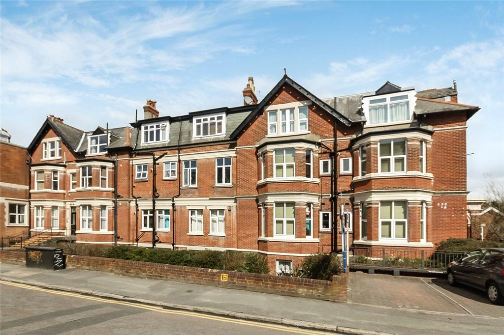 2 Bedrooms Flat for sale in Norwich Mansions, Norwich Avenue West, Bournemouth, Dorset, BH2