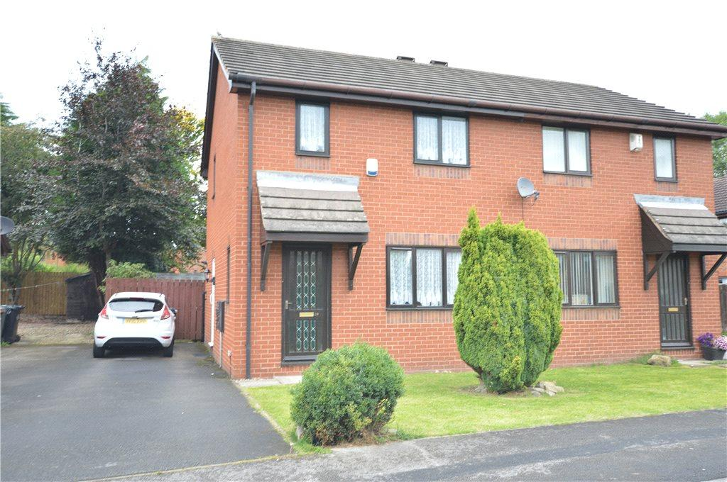 3 Bedrooms Semi Detached House for sale in Eaton Square, Leeds, West Yorkshire