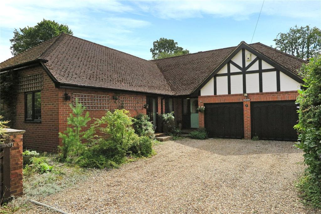 3 Bedrooms Detached Bungalow for sale in Fairview Road, Headley Down, Hampshire, GU35