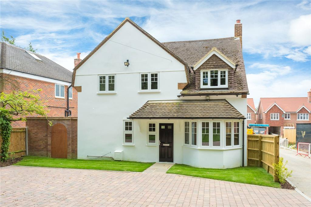 4 Bedrooms Detached House for sale in Hollybush Hill, Stoke Poges, Buckinghamshire