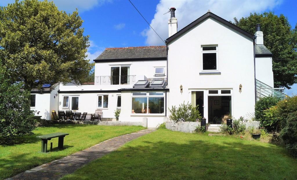 3 Bedrooms Detached House for sale in Calstock