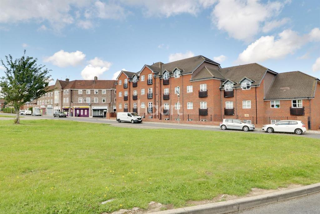 2 Bedrooms Flat for sale in Ranmore Path, Orpington