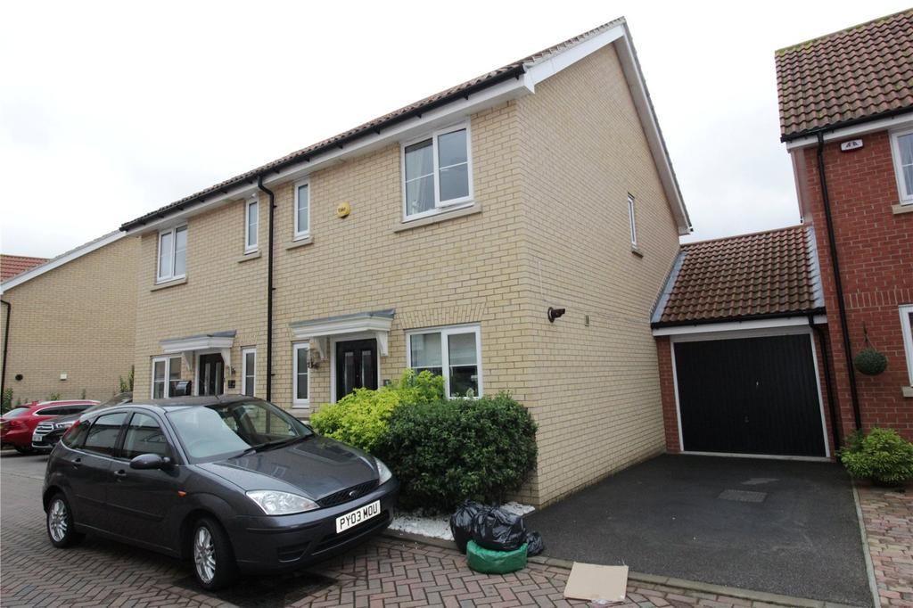 2 Bedrooms Semi Detached House for sale in Abrahams Close, Basildon, Essex, SS14