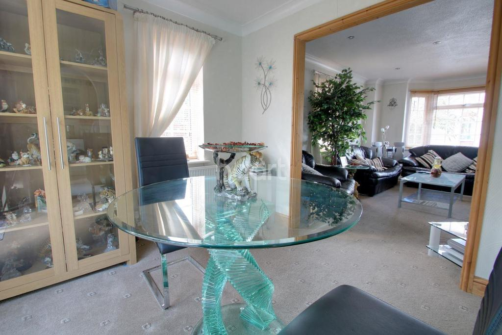 2 Bedrooms Bungalow for sale in Leverington