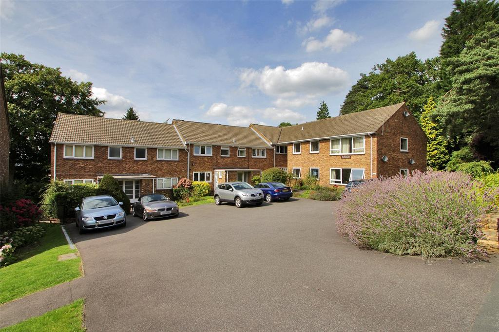 3 Bedrooms Apartment Flat for sale in Kirk Court, Mount Harry Road, Sevenoaks, Kent, TN13