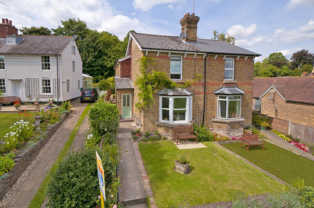 3 Bedrooms Semi Detached House for sale in The Green, Bearsted