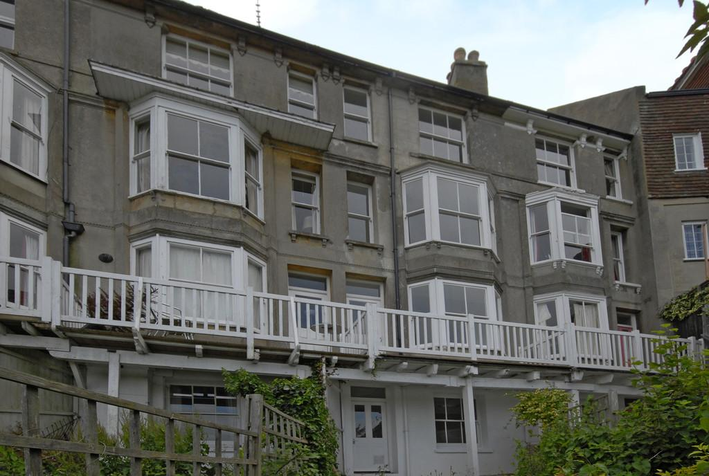 3 Bedrooms Apartment Flat for sale in Seaview Terrace, Rye, East Sussex TN31 7JZ