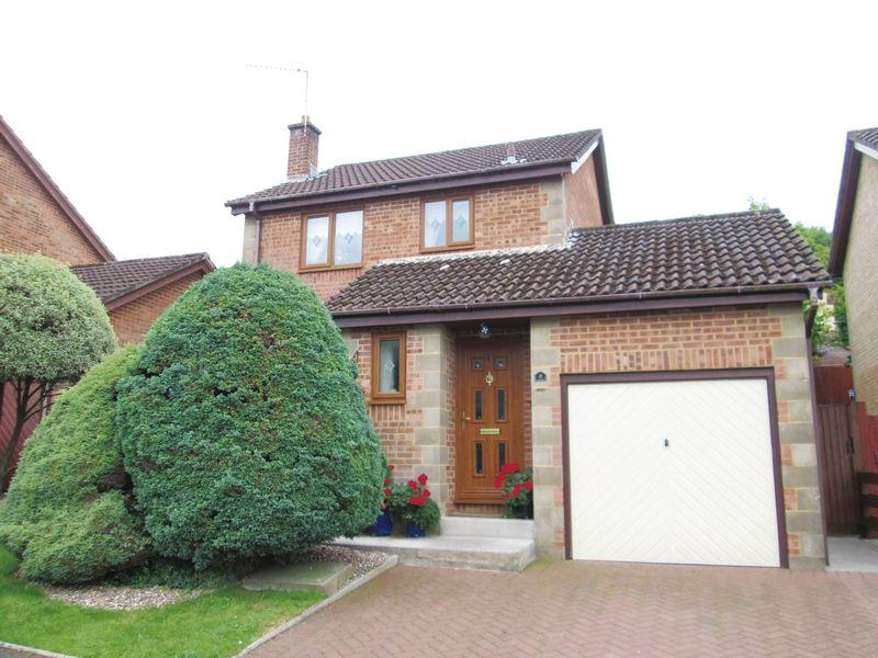 3 Bedrooms Detached House for sale in Linnett Way Brackla Bridgend CF31 2NX