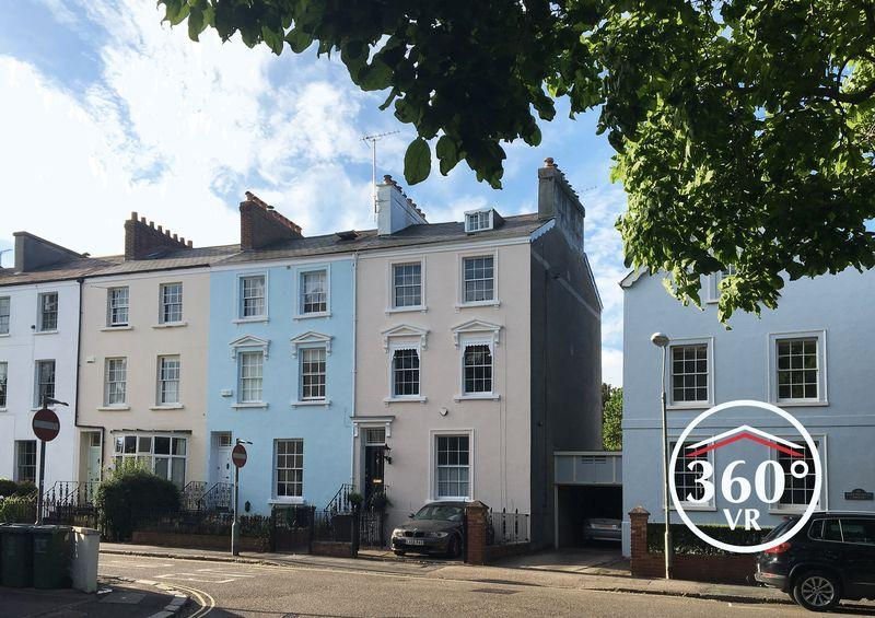 5 Bedrooms End Of Terrace House for sale in City centre, Exeter