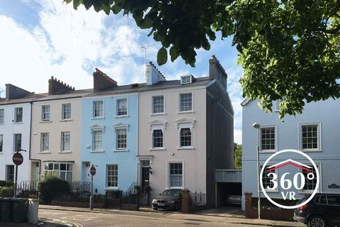 5 bedroom end of terrace house for sale - City centre, Exeter