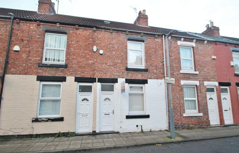 4 Bedrooms Terraced House for sale in Percy Street, Middlesbrough