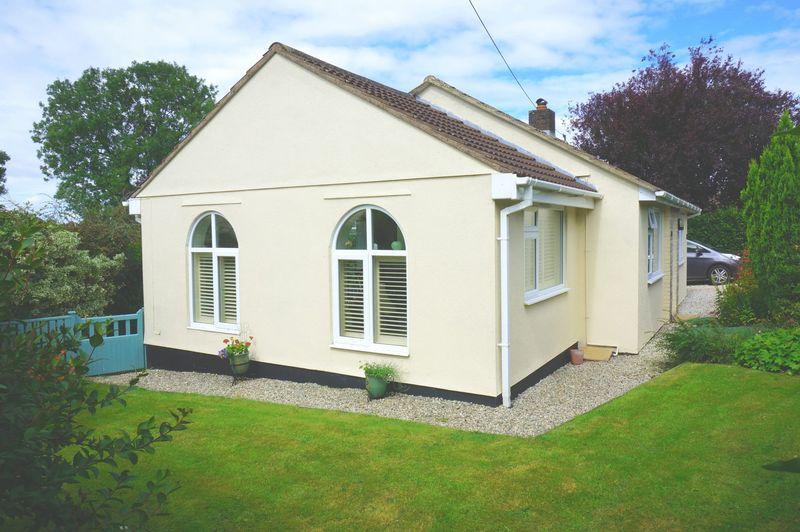 2 Bedrooms Detached Bungalow for sale in Hightrip Lane, Callington