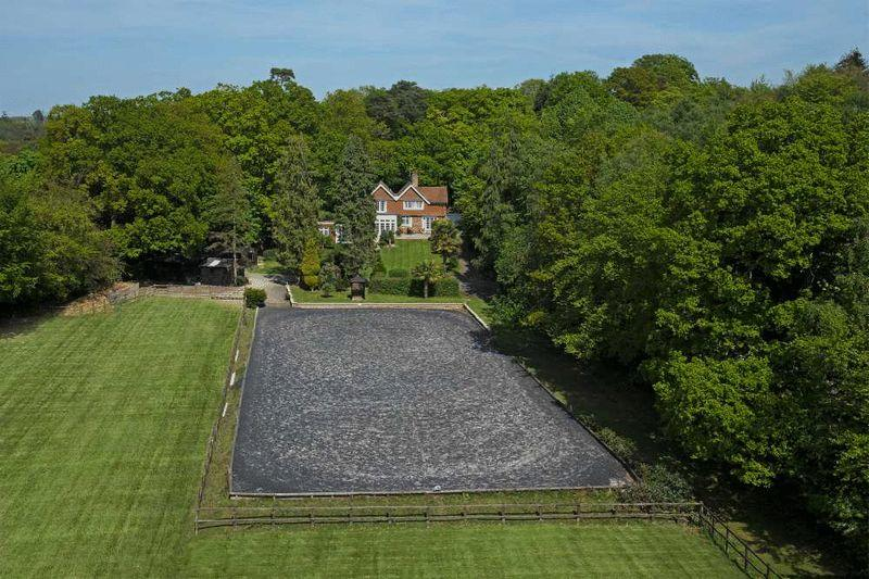 5 Bedrooms Equestrian Facility Character Property for sale in Horsham Road, Haywards Heath