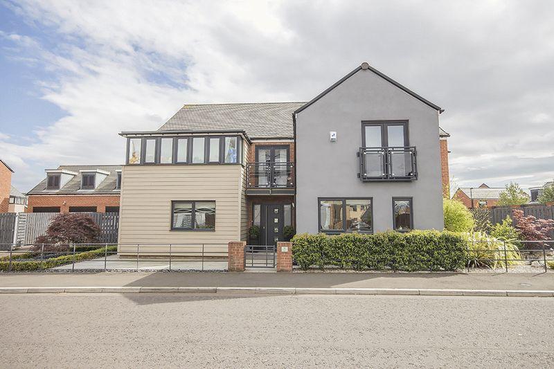 5 Bedrooms Detached House for sale in Warenton Way, Greenside