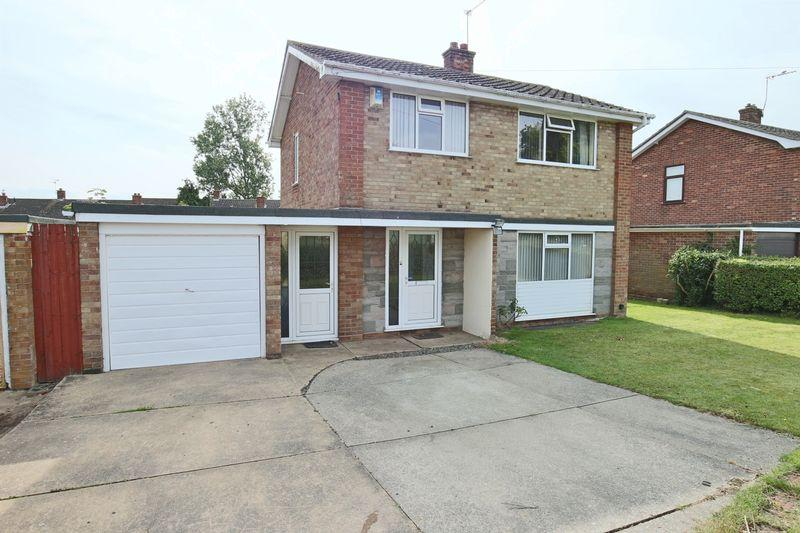 3 Bedrooms Detached House for sale in High Beech, Lowestoft