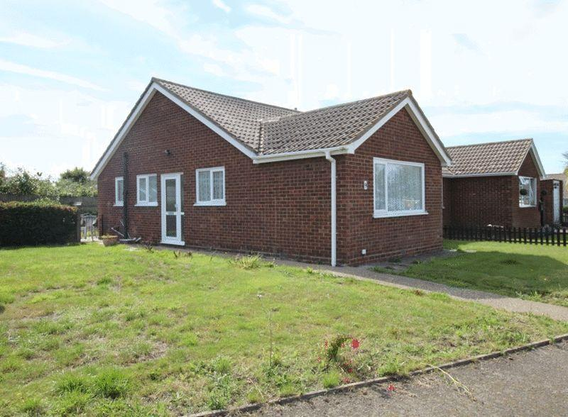 3 Bedrooms Bungalow for sale in Orchard View, Ash
