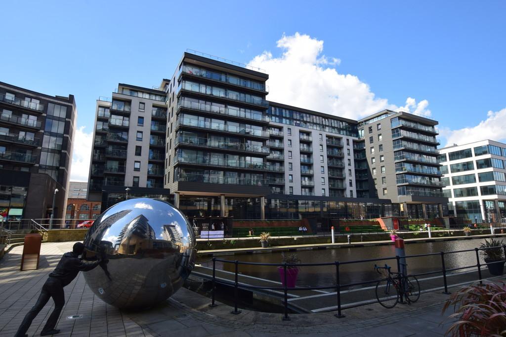2 Bedrooms Apartment Flat for sale in La Salle, Leeds Dock
