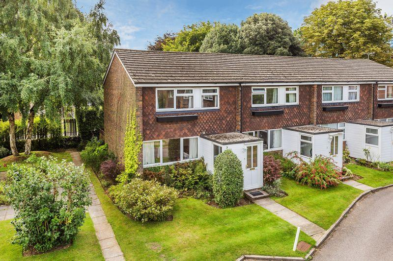 3 Bedrooms Terraced House for sale in Cross Lanes