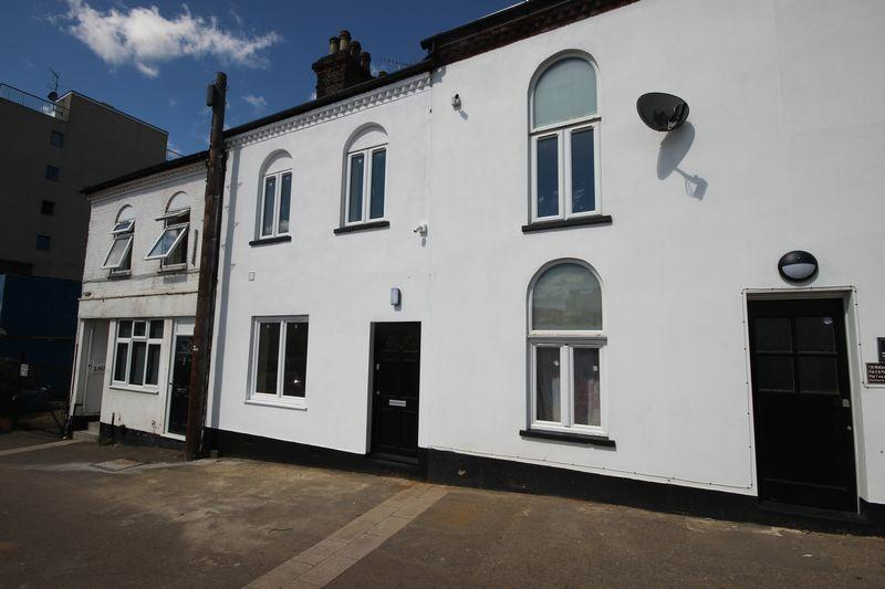6 Bedrooms Terraced House for sale in Midland Road, Luton