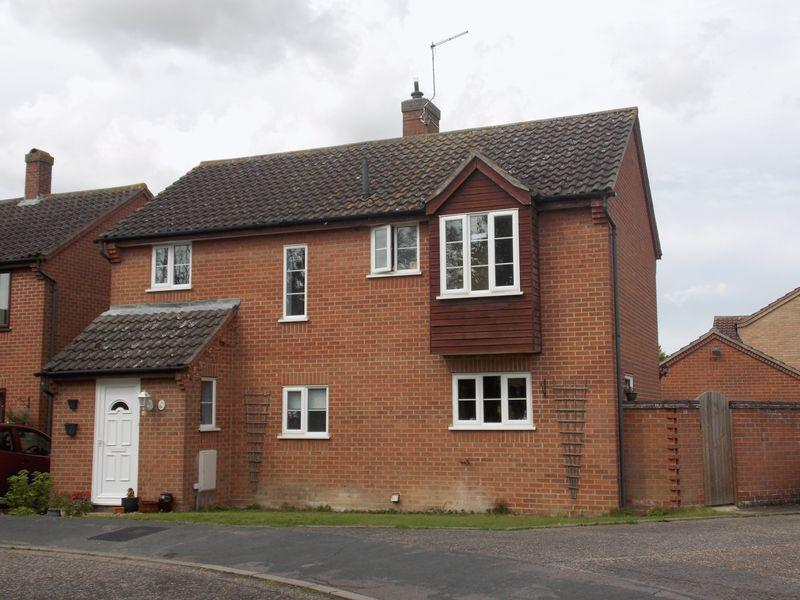 4 Bedrooms Detached House for sale in Chalk Lane, Bury St. Edmunds
